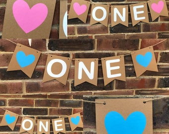 ONE CAKE SMASH banner bunting backdrop. First birthday I am one. Party Banner decoration