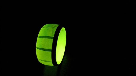 US size 8 Green Watermelon glow in the dark resin and carbon fiber ring