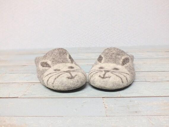 64b9a8b27 Women s cute slippers Boiled wool felt house slippers
