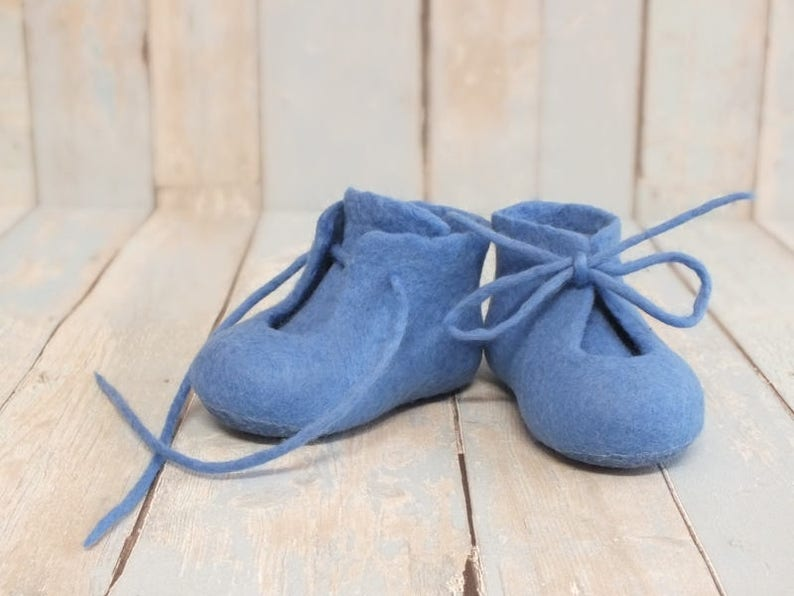 1c417cc508550 Baby booties Baby wool felt shoes Gift first birthday grandchild Merino  wool crib shoes Lace up ankle boots Baby slippers