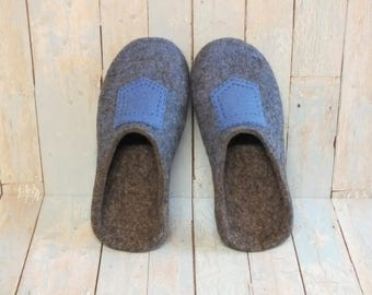 Felted slippers men Woolen clogs home Gift idea husband Natural wool house shoes Indoor shoes Gray wool slippers decorated pocket