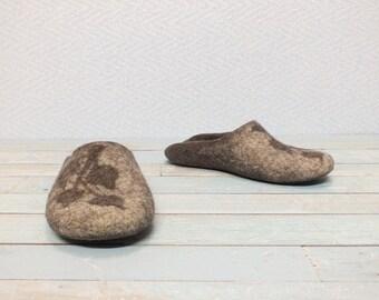 Slippers Women Felt Wool slippers Handmade gift for women Felted Slip in slippers House shoes Clogs wear home Bedroom shoes