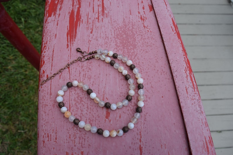 White Necklace Beaded Necklace Crystal Healing Necklace Men/'s Necklace Gifts for her White Banded Agate Necklace Women/'s Necklace