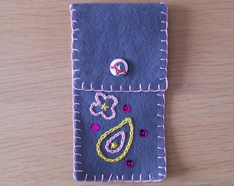 Pen pouch / Felt pen pouch / Pen case / Pencil case / stationery / Boho gift / India Inspired / Birthday gift / gift for her / Mothers Day
