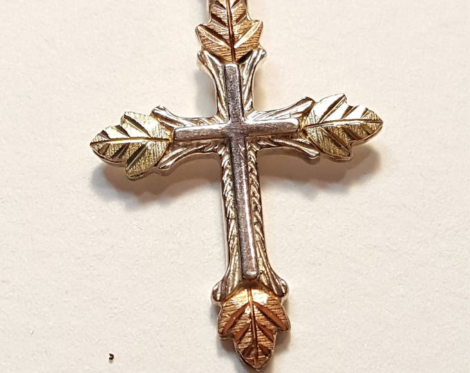 Black Hills Coleman Company Sterling Silver and 12kt Gold Cross Pendant Necklace with Leaves