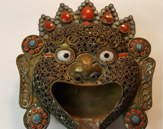 Vintage Nepal Handmade Crafted Mask Ash Tray Turquoise Coral Onyx Uniqueful Incense
