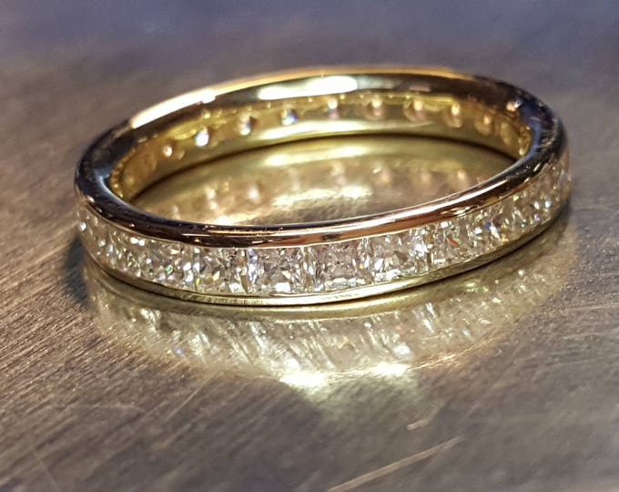 14K Solid Yellow Gold Eternity Band Ring Pavé Cubic Zirconia CZ Imitation Diamonds size 7.5