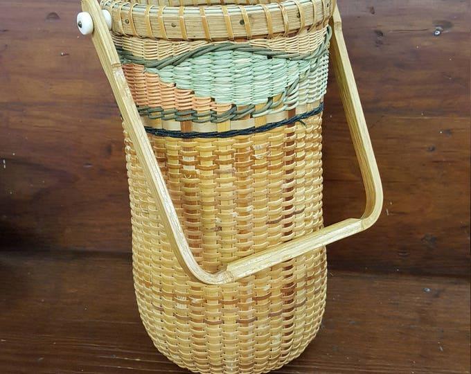 Elizabeth Geisler 1996 Signed and Numbered Art Basket Nantucket Style Tall Oak Bone Handle