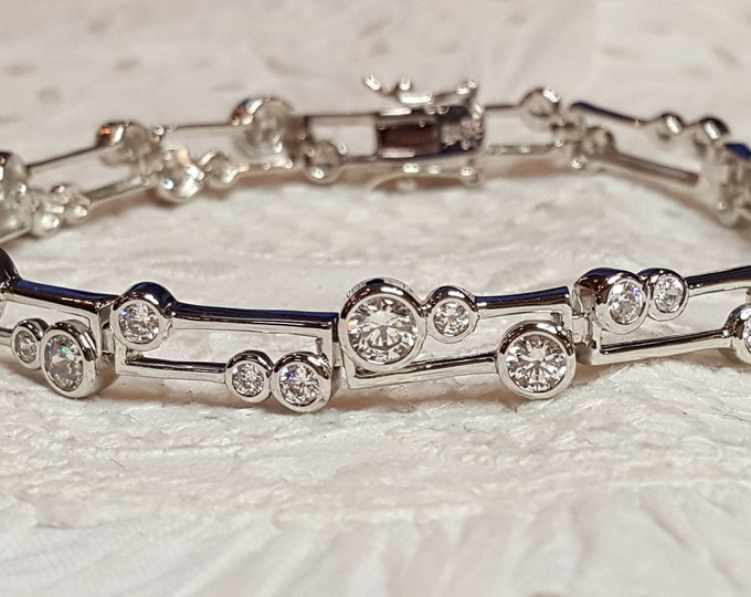 Sterling Silver and Cubic Zirconia Modern Abstract Beautiful Bracelet Excellent