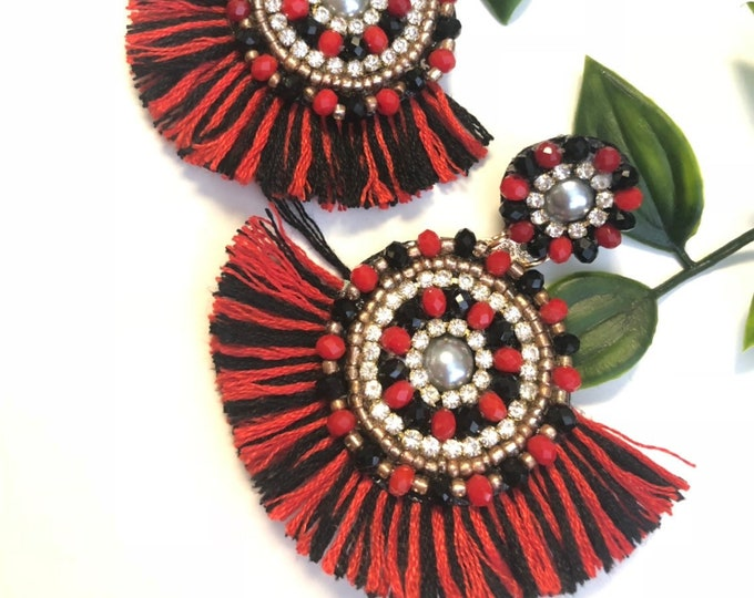Handmade beaded earrings. Red with black earrings. Crystals earrings. Statement.