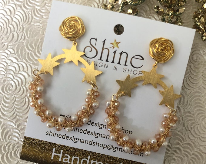 Handmade gold smith Stars and pearls earrings. Gold plated earrings. Statement jewelry.