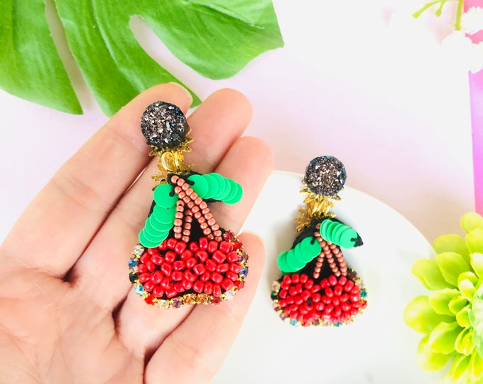 Beaded cherry Earrings, red cherry earrings, handmade statement earrings, fruit earrings, food earrings for summer, funny earrings