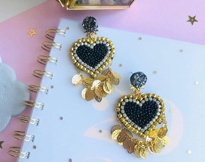 Black & gold heart earring, statement earrings, seed bead earrings, Beaded heart earrings, edgy earrings, wanderlust jewelry, bold earrings