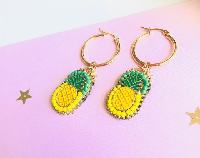 Pineapple hoop earrings, beaded pineapple earring, small hoop earrings, tropical earrings, statement earrings for summer, beaded hoops