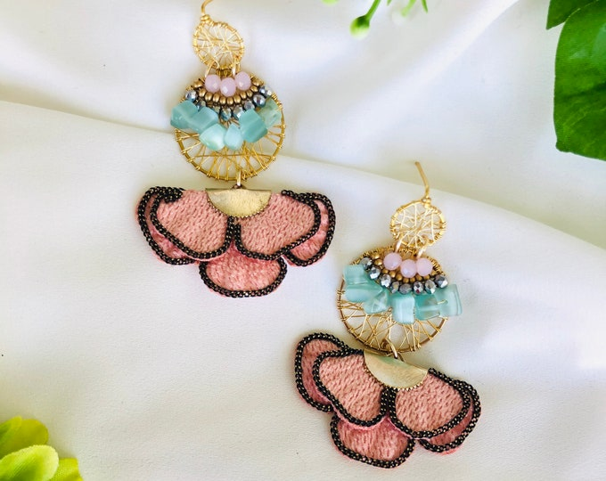 Beaded dreamcatcher earrings  with flower tassel, delicate earrings dangle, dainty gold filled earrings, gold plated long earrings