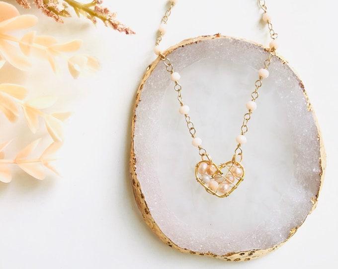 Real pearl heart choker, dreamcatcher necklace choker, real pearl choker necklace, beaded choker, beaded necklace, wanderlust jewelry