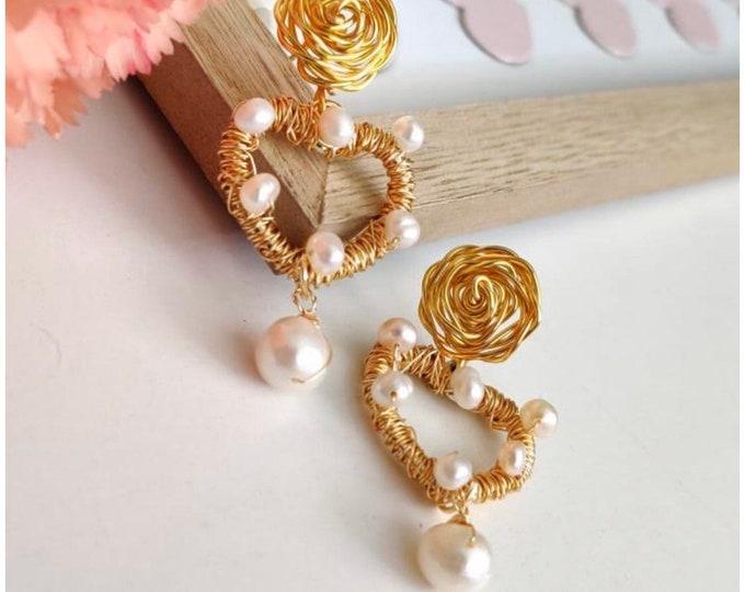 Handmade earrings, statement earrings ,  hearts earrings, natural pearl, wire jewelry, Valentine's Day.