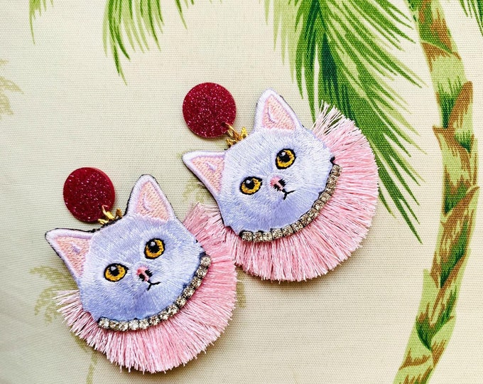 Cat earrings. Kitty cats earrings. Handmade. Statement earrings