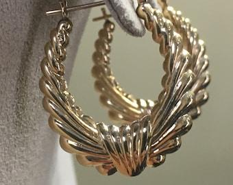 14k Yellow Gold Scalloped Hoop Earrings, Vintage