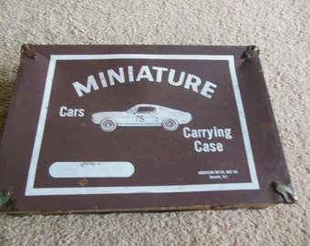 Vintage car carrying case
