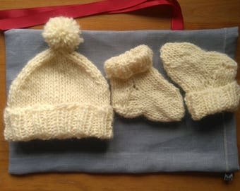 Newborn Baby Hat and Socks set