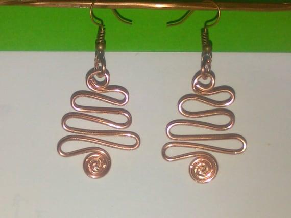 Handmade chainmaille design dangle copper earrings on lever back earwires Horseshoe earrings Cascade earrings ER078 Metal earrings