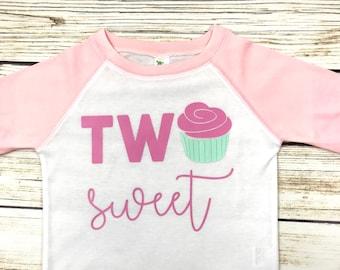 {Two Sweet Cupcake}