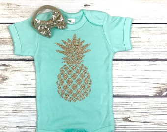 {Mint and Gold Pineapple}