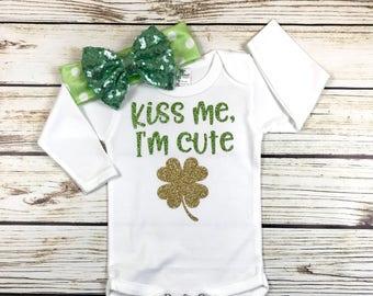 {Kiss Me, I'm Cute}