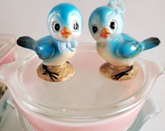 Bluebird salt and pepper shakers/1950's/Japan/anthropomorphic/kitschy/boy/girl/cake toppers