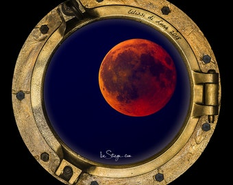 Photo Frame Round | Porthole: Eclipse of Luna 2018