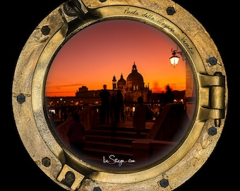 Photo Frame Round | Porthole: Customs Tip