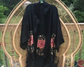 1920s 1930s Black Silk Embroidered Piano Shawl Robe w/ Fringe