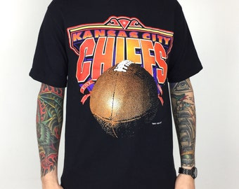 2fe58e0ad86 Vintage 90s 1994 94 NFL Kansas City Chiefs Trench MFG single stitch Made in  USA football graphic tee t-shirt shirt - Size M