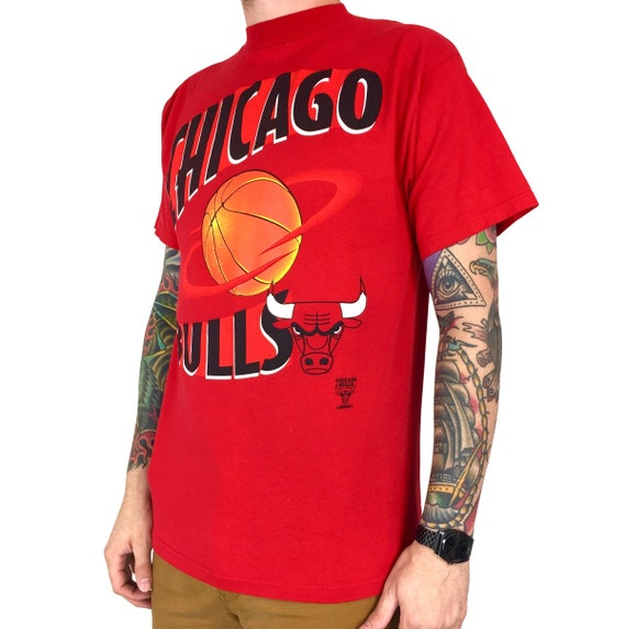 Vintage 90s NBA Chicago Bulls Planet Logo 7 basketball graphic tee t-shirt shirt - Size M