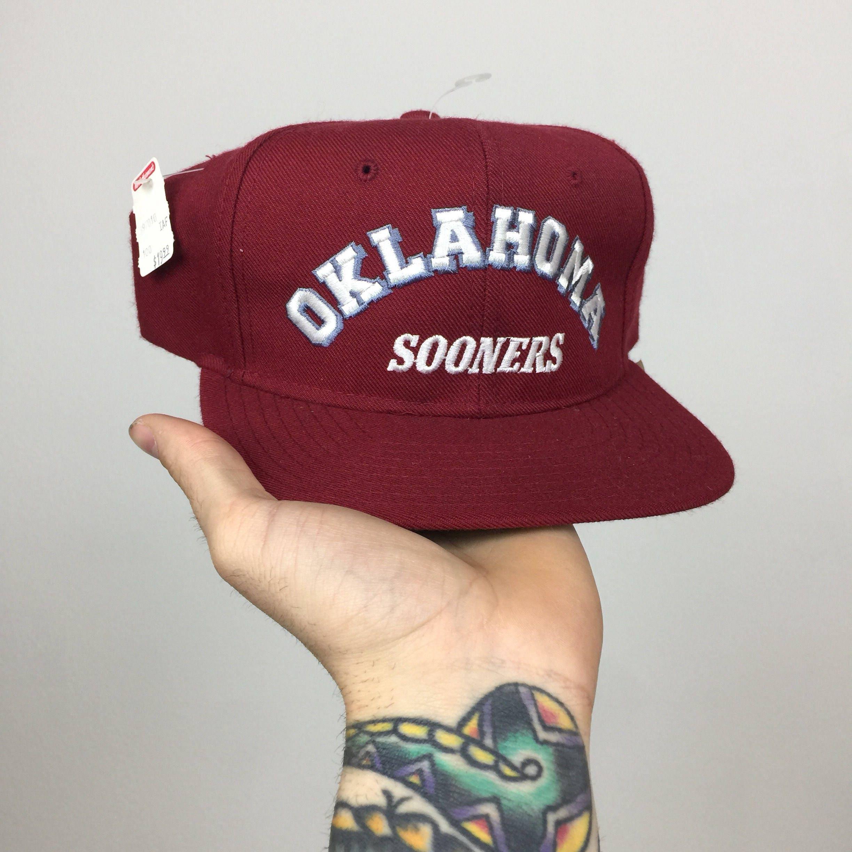 reputable site 5fae3 92fd9 ... adjustable hat crimson 16c07 bbecc  australia deadstock vintage 90s new  era ncaa university of oklahoma sooners pro model college snapback hat
