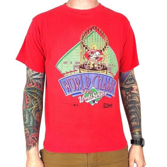 Vintage 90s 1990 90 MLB Cincinnati Reds World Series Champions Champs Salem Sportswear baseball graphic tee t-shirt shirt - Size S-M