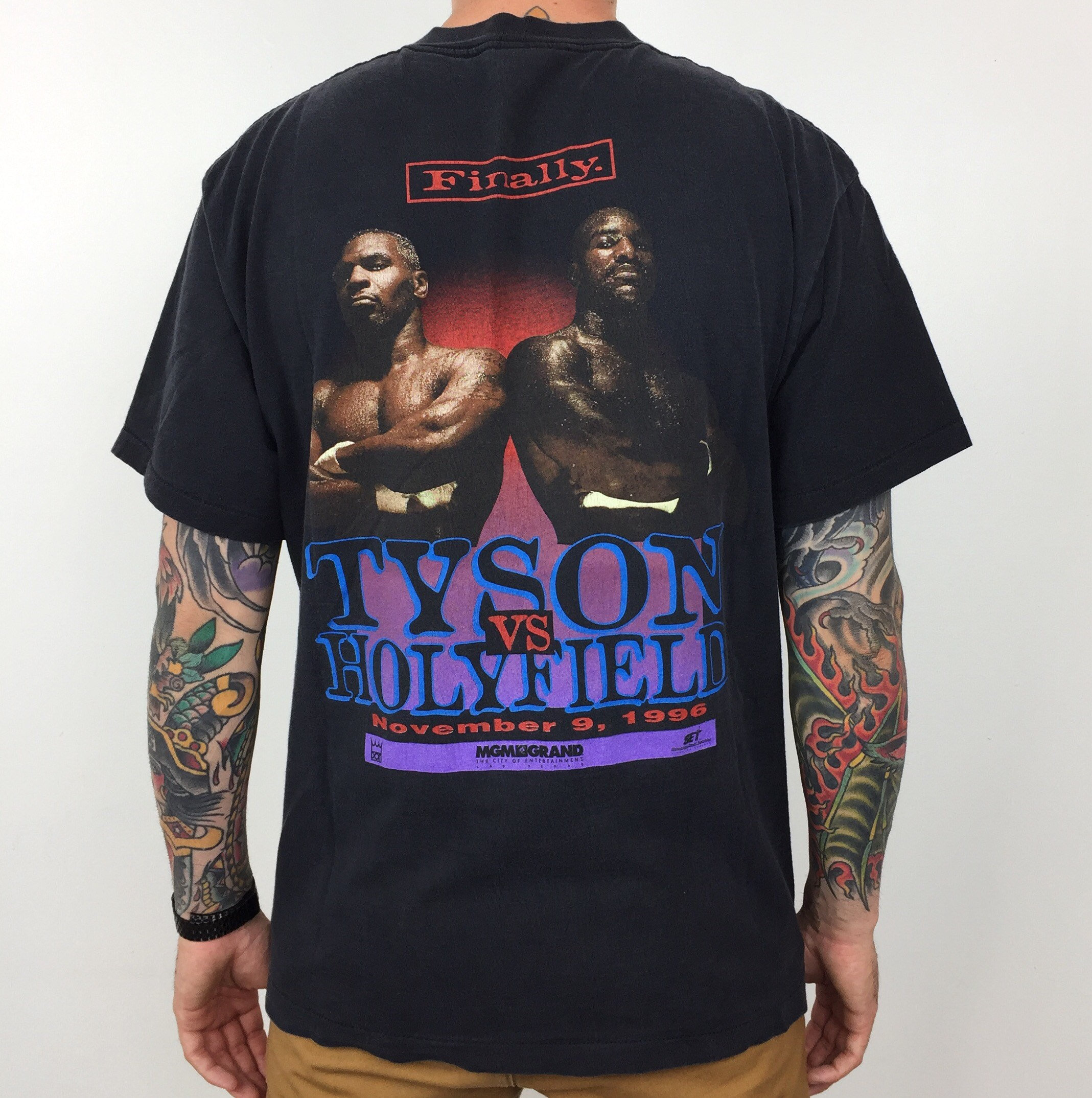 68911e82 Rare Vintage 90s 1996 96 Mike Tyson vs Evander Holyfield Finally boxing  match MGM Grand Las Vegas graphic tee t-shirt shirt - Size L