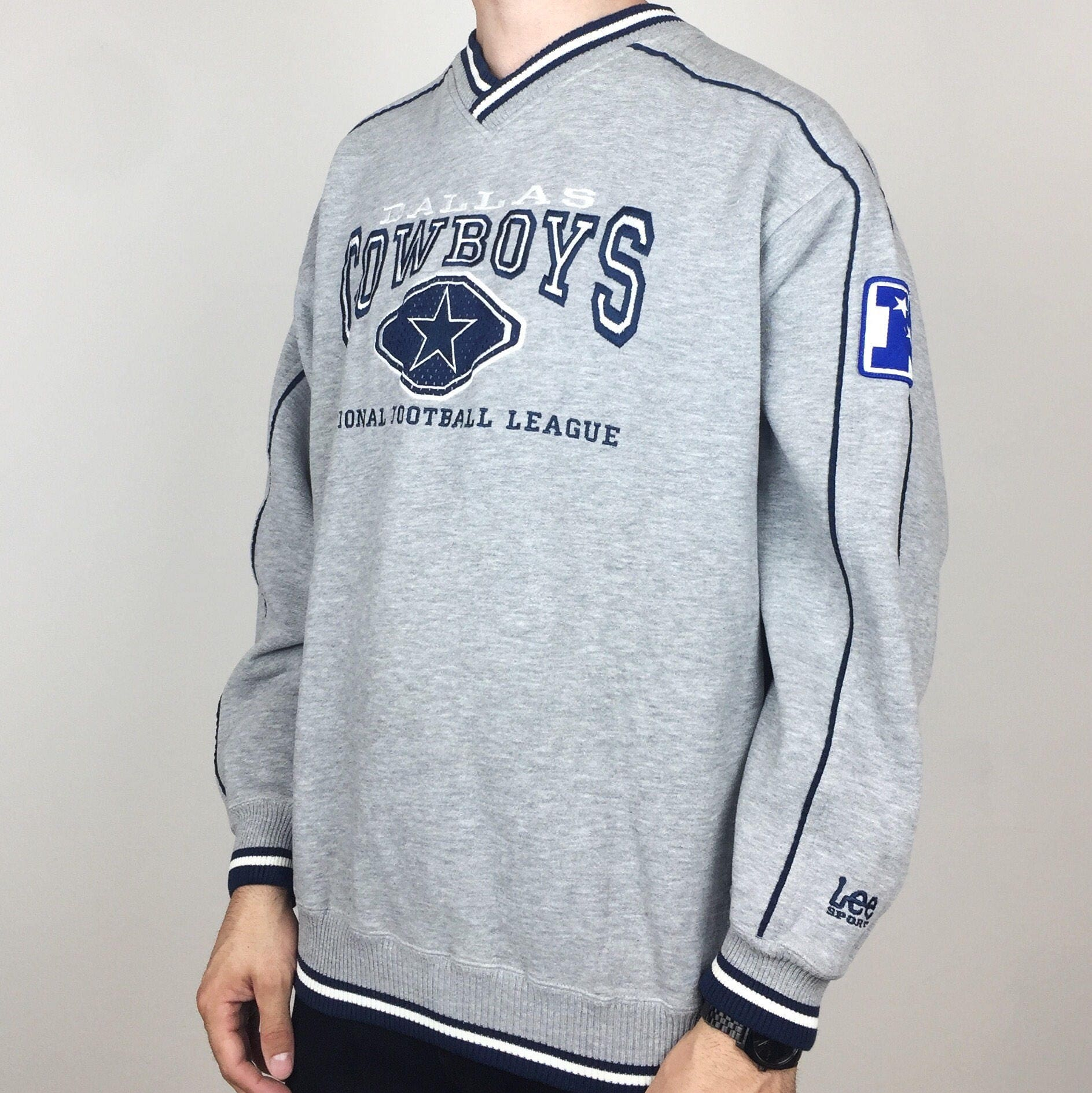 dcd394f07 Vintage 90s NFL Dallas Cowboys NFC Lee Sport embroidered football pullover  sweatshirt - Size L-XL