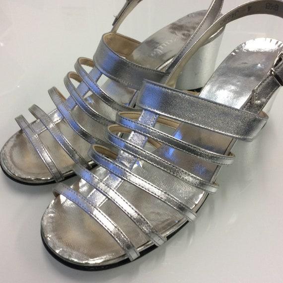 1960 MOD pumps / Vintage silver sandals / Disco ch