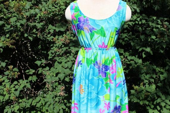 1970 Psychadelic Hawaien dress / Vintage flower pr