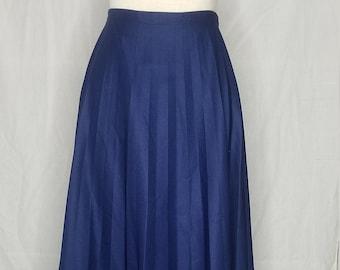 ca73006321 Vintage 1960s/1970s navy skirt//Vintage navy blue accordion pleat skirt// Navy blue accordion pleated skirt//1960s accordion pleat skirt
