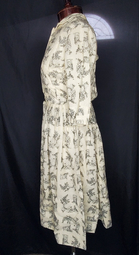 Vintage 1950s/1960swhite French Toile print dress… - image 4