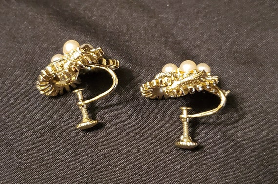 Vintage 1950s/1960s Coro gold and pearl earrings/… - image 6