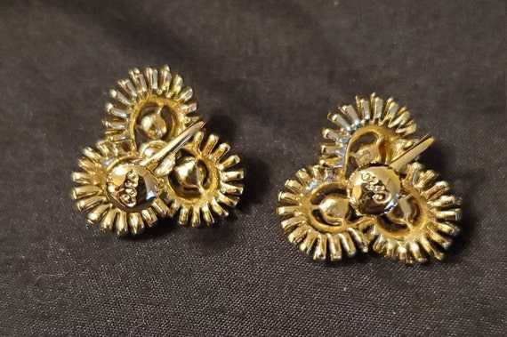 Vintage 1950s/1960s Coro gold and pearl earrings/… - image 4
