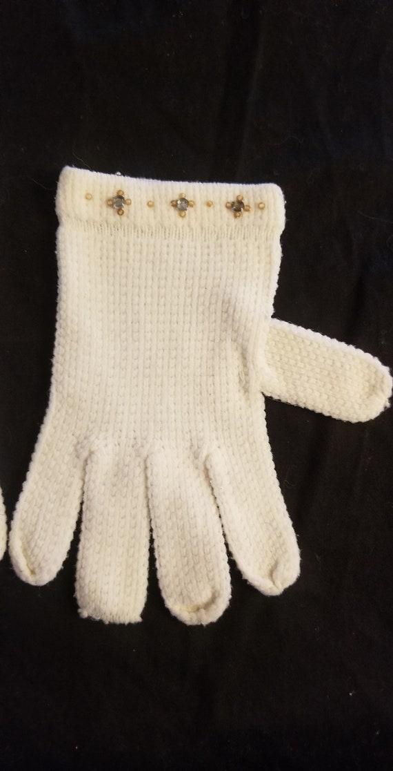 Vintage white knit and rhinestone gloves// Vintag… - image 3