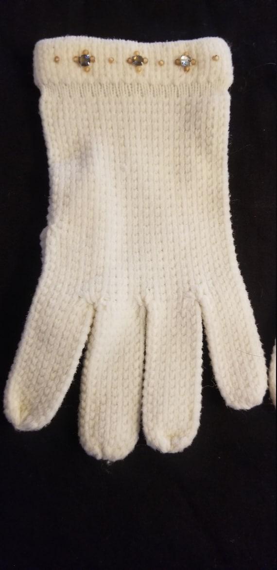 Vintage white knit and rhinestone gloves// Vintag… - image 2