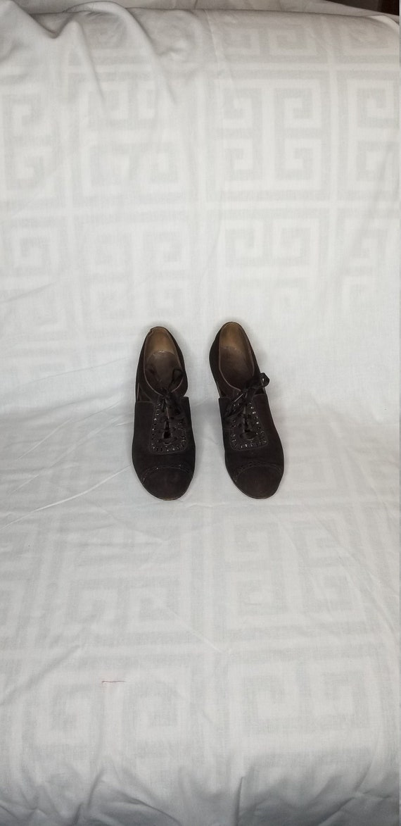 Vintage 1930s brown oxford heels// 1930s lace up o