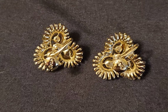 Vintage 1950s/1960s Coro gold and pearl earrings/… - image 5