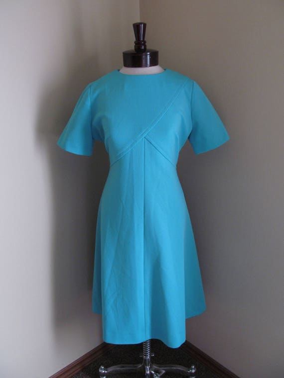 Vintage 1960s dress//1960s mod dress// mod dress//